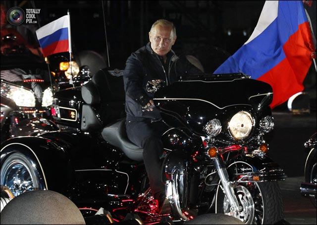 photo hd Vladimir Poutine biker moto Harley Davidson motoclub Russie