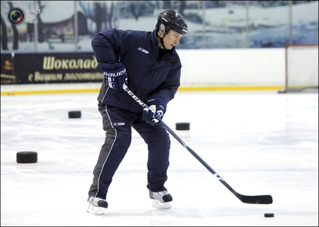 photo president Russie mother patria Vladimir Poutine hockey Canada