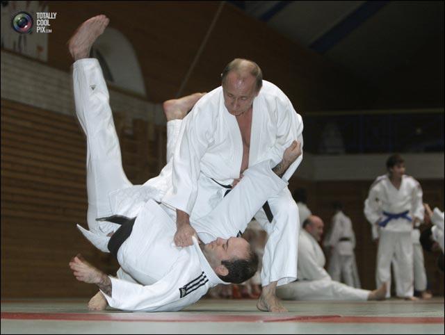 photo president russe Vladimir Poutine champion de judo pas contre David Douillet