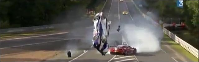 video course 24h Mans gros crash Toyota pilote Anthony Davidson contre Ferrari