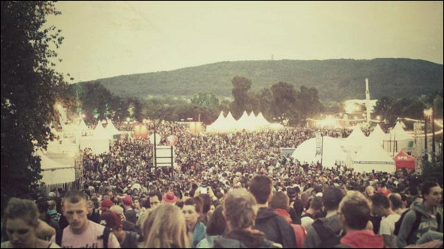 photo resume Eurockeennes de Belfort 2012 festival camping Eurocks boue