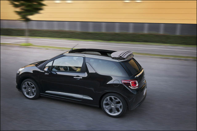photo hd Citroen DS3 cabriolet toit decapotable decouvrable DS4 cab