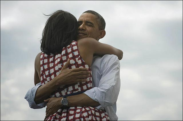photo Michelle Obama et Barack Obama ensemble apres victoire