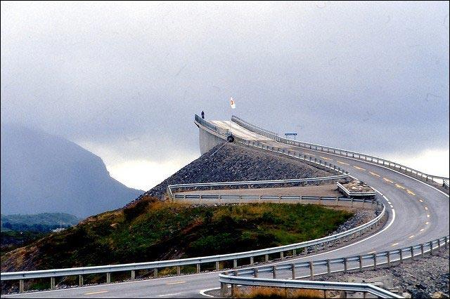 photo Route Atlantique le long Mer de Norvege
