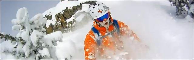 manger de la neige poudreuse