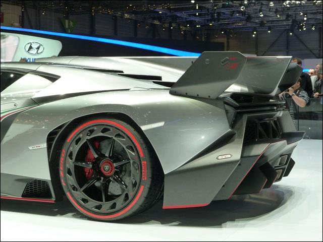 Lamborghini Veneno Geneve 2013 (4)
