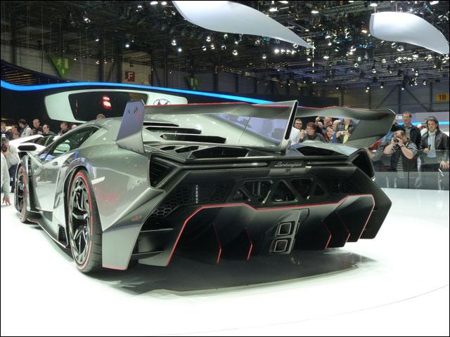 Lamborghini Veneno Geneve 2013 (6)