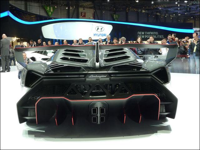 Lamborghini Veneno Geneve 2013 (7)