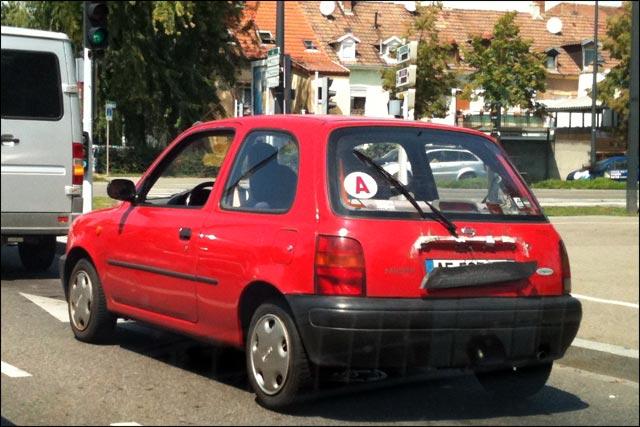 auto plaque immatriculation cachee sur voiture astuce anti radar