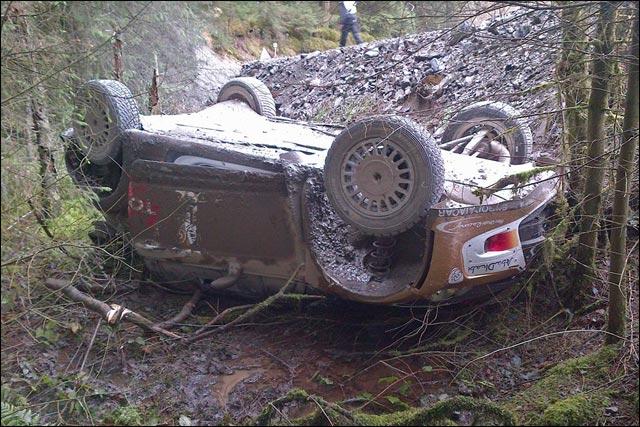 photo hd crash Hirvonen WRC rallye Wales