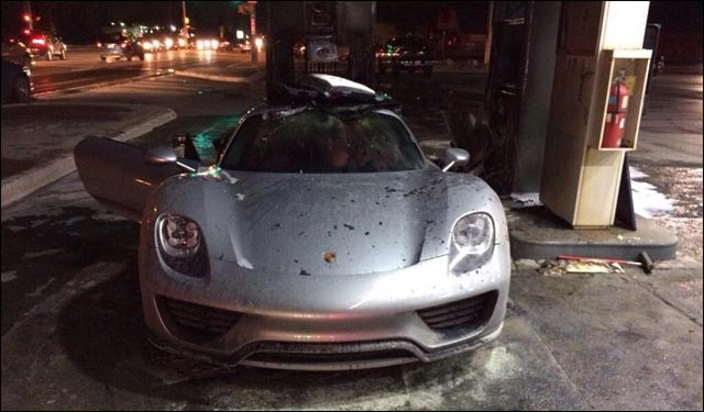 photo video incendie Porsche 918 Spyder cabriolet hybride