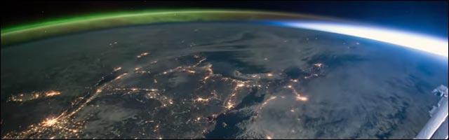 photo vidoe lever de soleil et aurore boréale vus depuis l'Espace