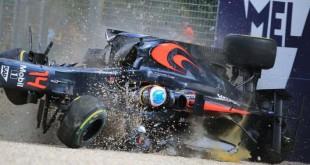 accident crash alonso f1 australie