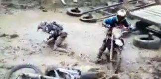 Redbull Enduro motocross boue