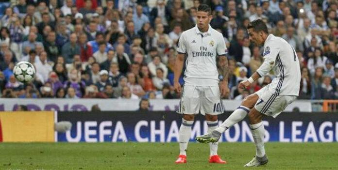 Cristiano Ronaldo CR7 coup franc