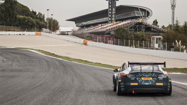 Tesla Model S racing course championnat electrique