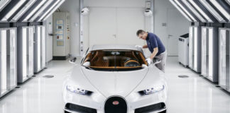 photo assemblage usine Bugatti Chiron 1500ch