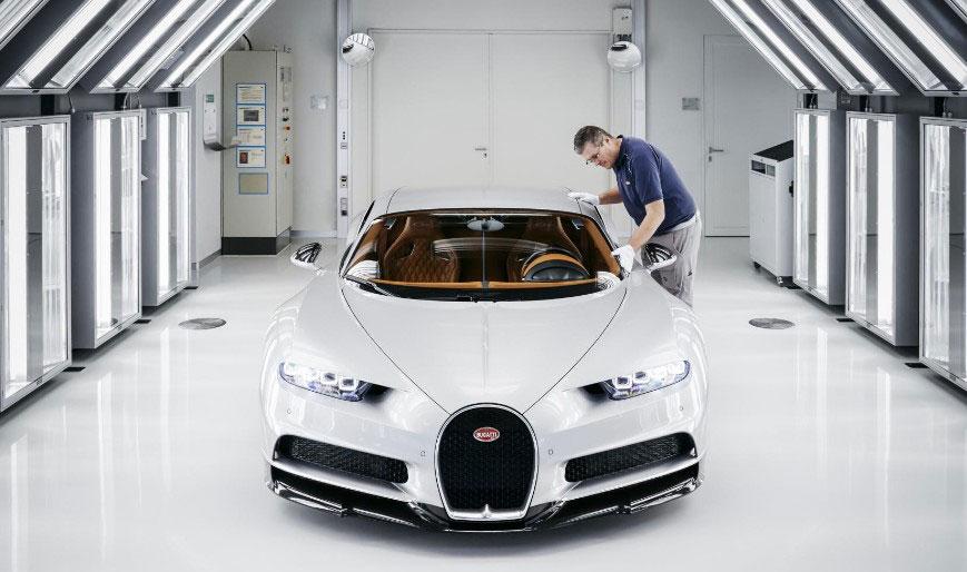photo assemblage usine Bugatti Chiron 1500ch