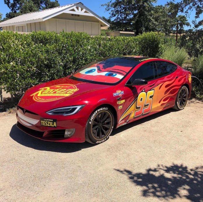 Flash McQueen Tesla cars